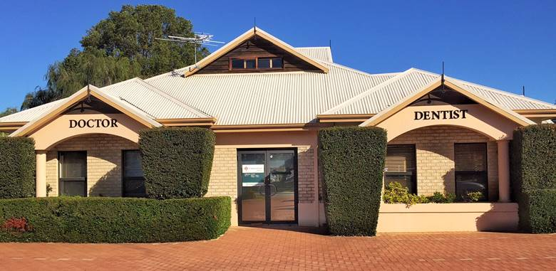 outside view of the herald avenue dental centre in willetton